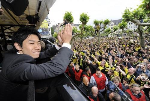 香川のドルトムント復帰にサポーターも歓喜、9割超が「今必要な選手」