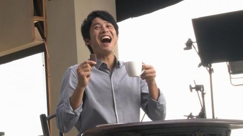 内田篤人起用のグリコ「Bitte」新CMが完成…演技に苦戦で77個食べる