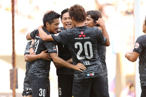 浦和が4連勝で首位を快走、鳥栖は痛い敗戦で4位に後退/J1第25節
