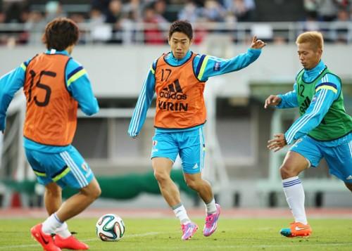 日本代表、復帰の香川が背番号「10」…ハーフナーは「18」