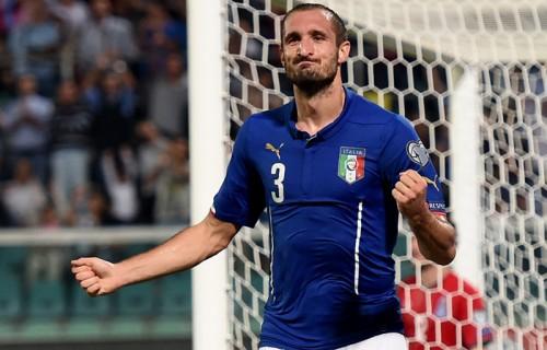 イタリアがキエッリーニの2ゴールで格下アゼルバイジャンに辛勝