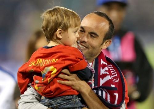 米サッカーの英雄ドノヴァン、代表ラストマッチに涙「寂しくなる」