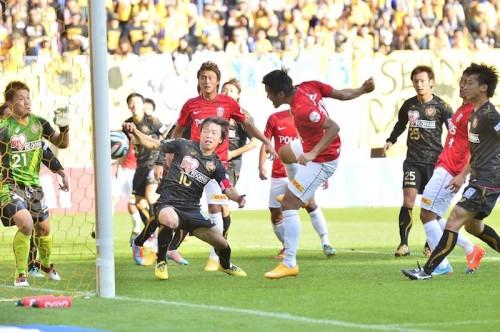 G大阪が驚異の追い上げ、完敗浦和との勝ち点差は「4」/J1第28節