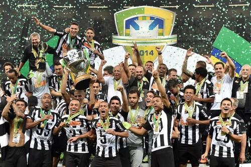 宿敵クルゼイロ倒しアトレチコがカップ戦制覇…43年ぶりの国内タイトル