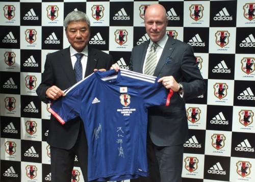 日本サッカー協会とアディダスが8年間の新大型契約を締結