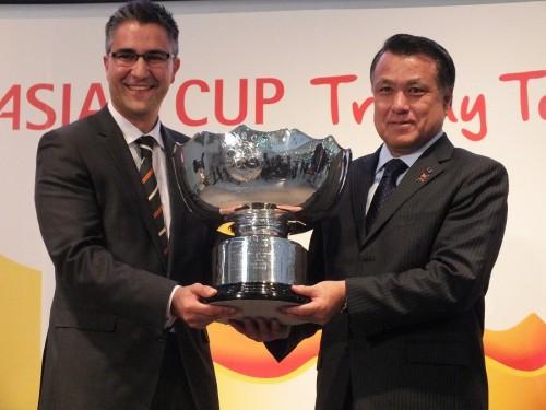 アジアカップトロフィーがお台場で展示…大会COO「豪では日本戦が最も人気」