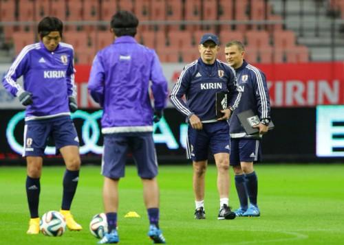日本代表、前日練習にアギーレ監督参加…追加招集の森岡亮太も合流