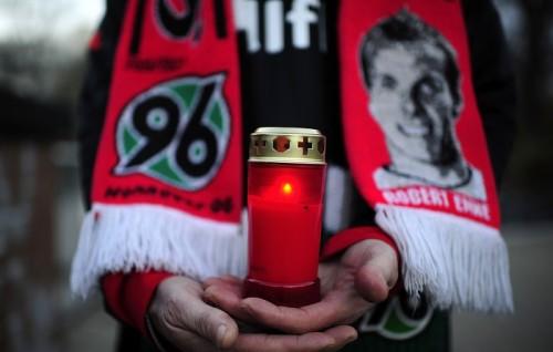 元独代表GKエンケの死から5年…サッカー選手とうつ病の関係