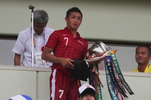 東福岡高MF増山朝陽、神戸へ来季新加入「世界でも通用する選手に」