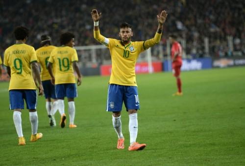 ネイマールがW杯後7点目…ブラジルがドゥンガ体制で5連勝無失点