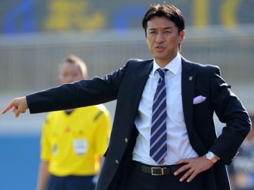 横浜FCの山口素弘監督が退任へ…J1昇格プレーオフ進出を逃す