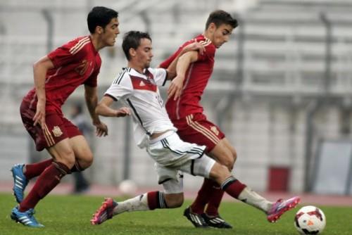 バルサとも交渉、レアルと契約…18歳MFアセンシオ「誇りに思う」