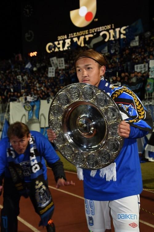 ナビスコに続きJ1制覇…G大阪FW宇佐美、優勝の瞬間は「泣いてねーし」