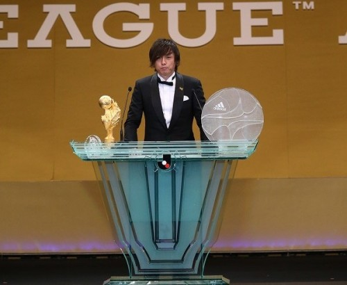 G大阪MF遠藤保仁がMVPに初選出…歴代最多のベスト11とダブル受賞
