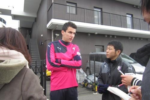 活躍誓うC大阪の新戦力MFパブロ、カカウに感謝「人間性が素晴らしい」