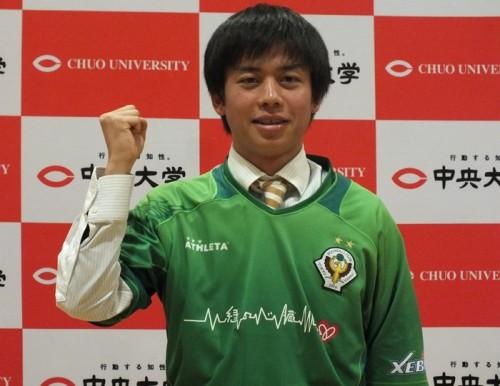 東京V入団のMF渋谷亮、トッティ目標に「緑のバンディエラになる」