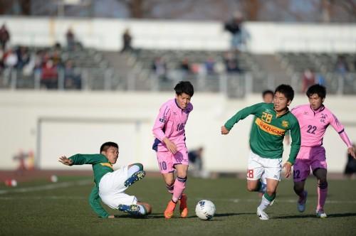 交代策が的中の日大藤沢、初のベスト4進出…静岡学園に競り勝つ