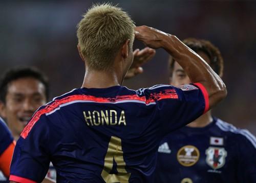 本田、決勝弾後の敬礼に言及「試合前に決めたパフォーマンス」