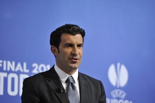 フィーゴ氏、FIFA会長選に立候補へ「フットボールに恩返しを」