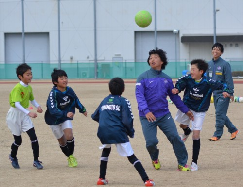 土砂災害から5カ月、「子どもたちに笑顔を」…佐藤寿人らがチャリティー教室に参加