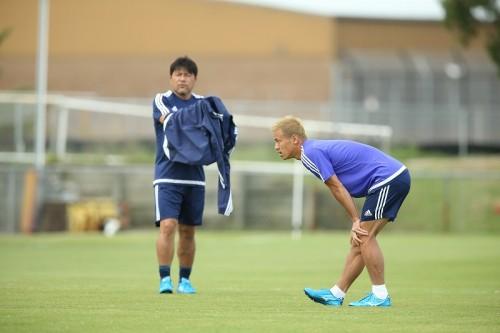 初戦に向け勝利への執念見せる本田「きれいなサッカーは求めない」