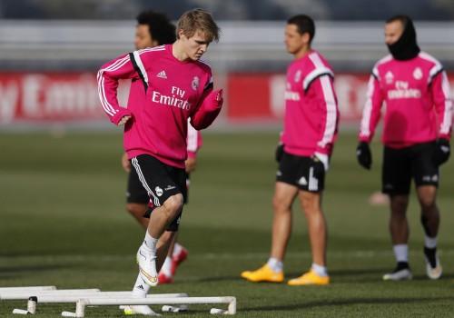 レアル加入の16歳MFエデゴー、チームのトレーニングに初参加
