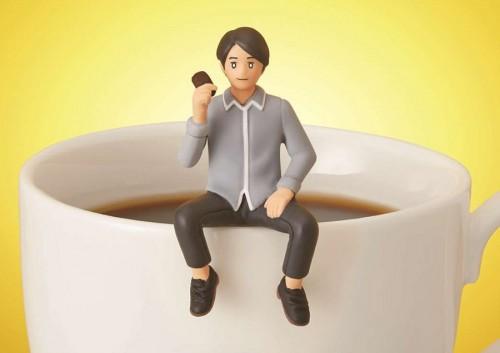 内田がコップのフチ子とコラボ、「フチ田篤人」誕生…カップのフチに舞い降りる