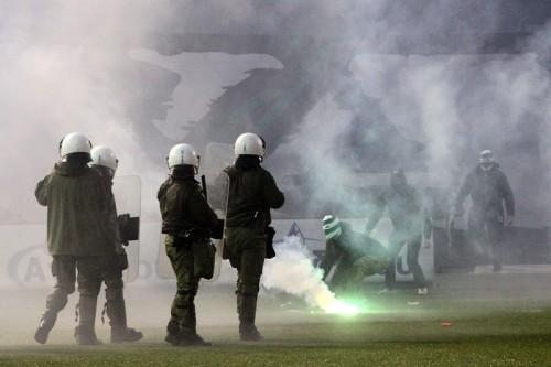 ギリシャリーグが無期限中止に…ダービー戦の暴動やクラブ役員の乱闘で