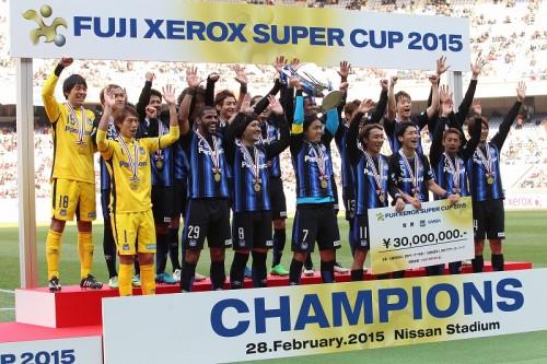 宇佐美が決勝点…昨季3冠のG大阪が浦和下し、2015年初タイトル