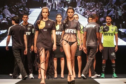 アトレチコ・ミネイロが2015年の新ユニお披露目…ファッションショー形式で発表