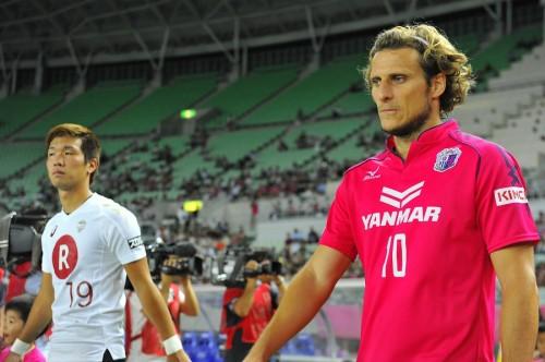 C大阪FWフォルランが7月末まで契約延長「J1戻るため全力尽くす」