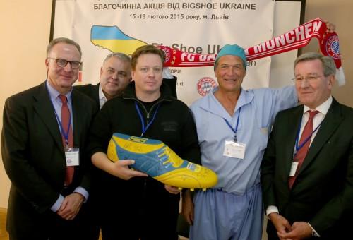 バイエルン幹部がウクライナの病院を訪問…手術費用などを支援