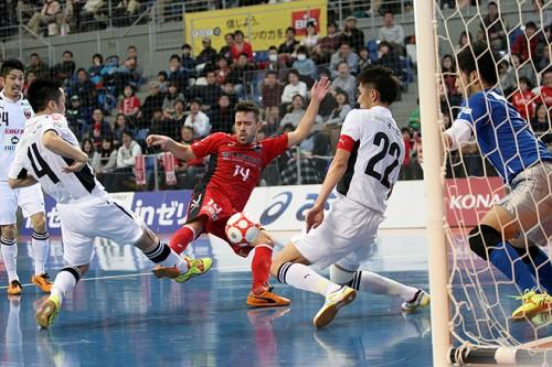 Fリーグ2014/2015プレーオフファイナル第1戦……大阪が引き分けに持ち込み、2戦目の決戦へ