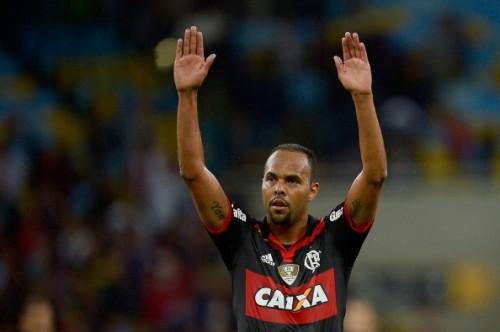 """ブラジルの""""クラシコ""""は大荒れ…イエロー11枚、レッド4枚が乱れ飛ぶ"""