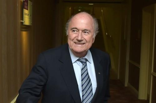 FIFA会長、W杯開催地カタールのさらなる労働条件改善を求める