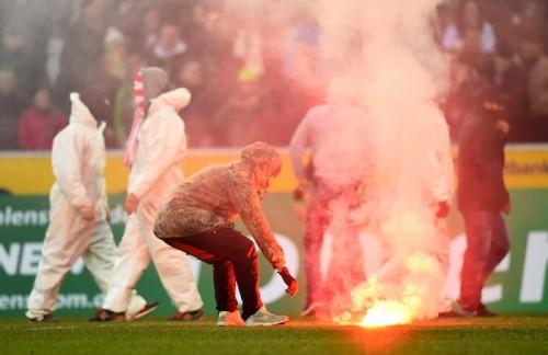 大迫、長澤所属のケルンに処分…ホーム戦3試合で部分的無観客試合