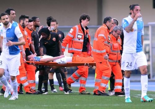 重傷の若手MF、手術成功を報告…接触したナインゴランも復帰祈る