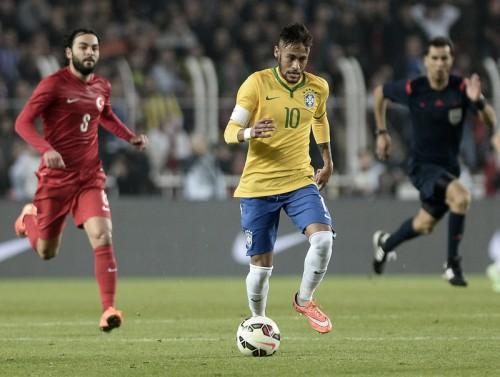 ブラジル代表にネイマールら23名…マルセロ&ロビーニョが復帰