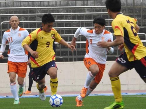 慶應大が法政大に3発快勝、エースの山本が2ゴール/関東大学リーグ