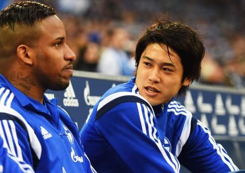 不振のシャルケ、ファンの希望は内田の先発起用…批判の矛先は指揮官へ