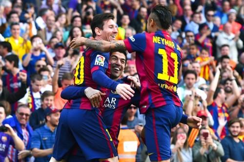 メッシがバルサ通算400ゴール…バレンシアに完封勝利で首位守る
