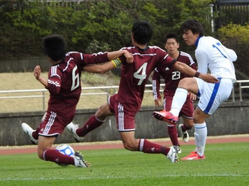 桐蔭横浜大の猛攻を耐えぬき、数的不利の早稲田大がドローに持ちこむ/関東大学リーグ