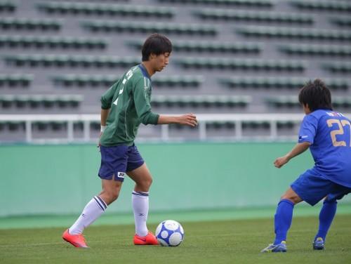 U-22代表&全日本選抜のDF室屋「攻め上がった時の最後が課題」/全日本大学選抜合宿