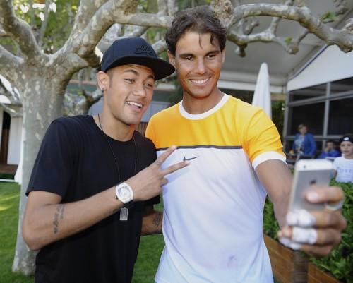 ネイマール、CL勝利後にテニス観戦…ナダルとの2ショット写真を公開