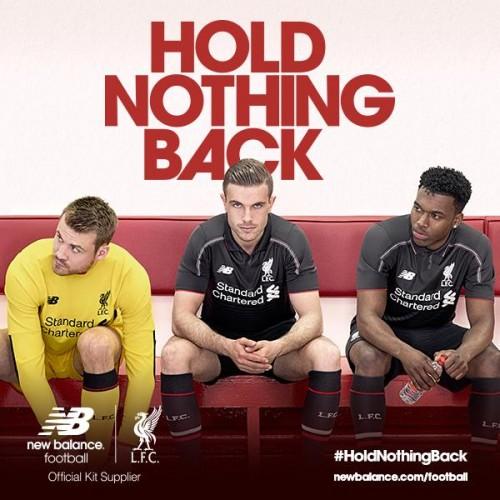 2015-16リヴァプールのサードユニ発表…スタジアムで映える黒が基調