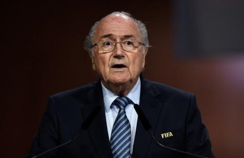 FIFAのブラッター会長、再選が決定…最後には対立候補も辞退し5期目
