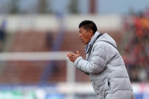 最下位の甲府、樋口靖洋監督と契約解除…後任には佐久間悟GMが就任