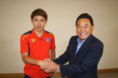 太田宏介と松木安太郎の新旧日本代表サイドバック対談が実現