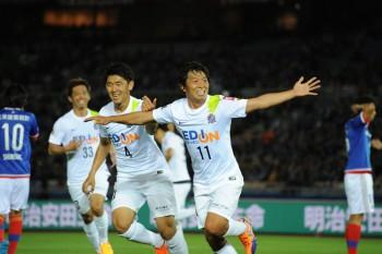 (EDITORIAL USE ONLY) xxx during the J.League match between Yokohama F.Marinos and Sanfrecce Hiroshima at Nissan Stadium on April 29, 2015 in Yokohama, Kanagawa, Japan.