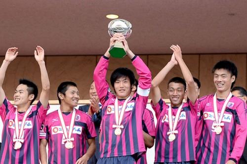 2011年度より高校年代東西2つに分けたプレミアリーグが開催